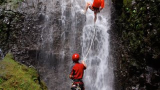 canyoning arenal